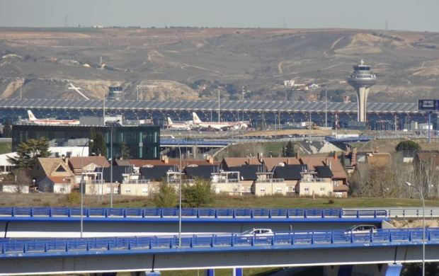 Barajas airport, as seen from the Juan Carlos I park