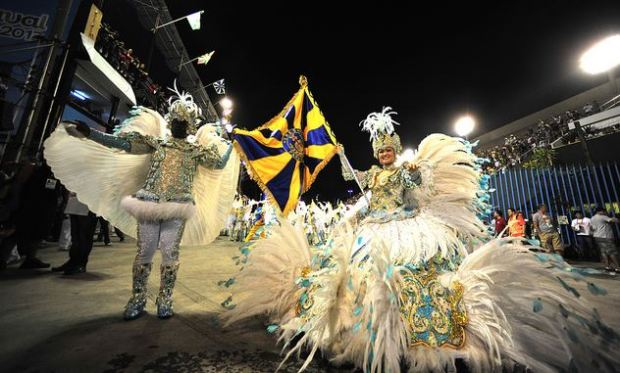 2013 parade in the Sambodromo. Image by Fora do Eixo, http://www.flickr.com/photos/foradoeixo/8462879433/