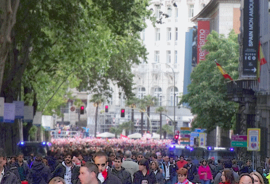Atleti's fans cellebrating around plaza de Neptuno (a change for the usually posh setting of the Ritz hotel and the Thyssen- Bornemisza museum)